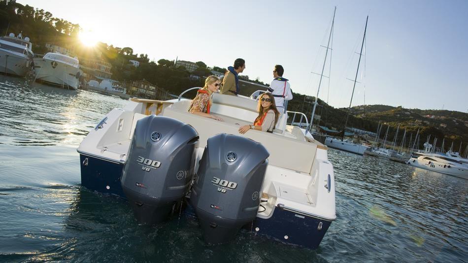 Yamaha 4 Zamanlı 300 Hp Extra Uzun Şaft Elektrikli Trimli Deniz Motoru Seti - Sağ ve Sol Dönüşlü